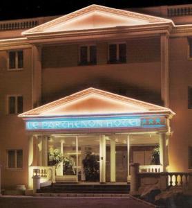 Le Parthénon Hotel