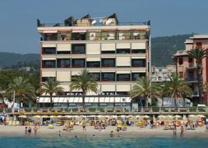 Royal Hotel & Aquamarina Thalassospa (Spotorno)
