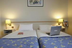 Kyriad Hotel Orly Aéroport Athis-Mons