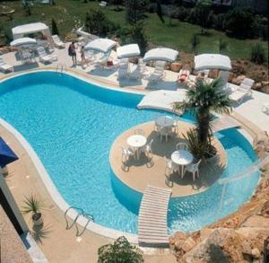 Chryshotel