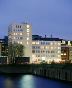 Arcadia Belmondo Hamburg