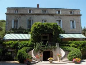 Logis Hôtel Le Mas De Couran