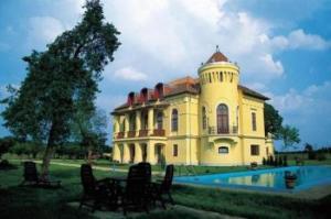 Almasy Kastelyhotel