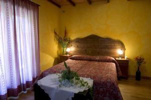 Charmant Petit Hotel