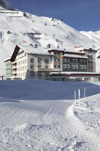 Booking - Hotel Edelweiss