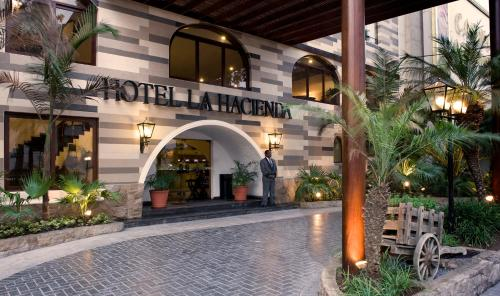 Booking - Hotel &amp; Casino La Hacienda