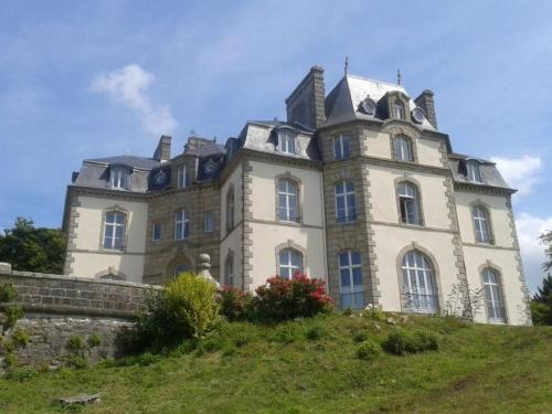 Booking - Hotel Chateau de Locqueran