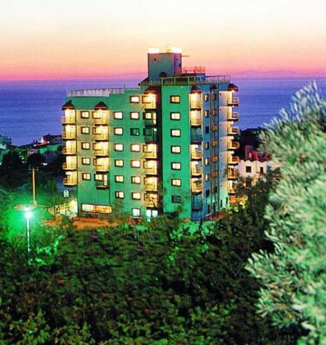 Booking - Hotel Sadirvan