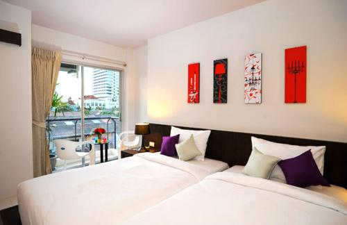 Booking - Urban Patong Mini Hotel & More