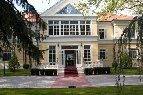 Booking - Hotel Château Visz