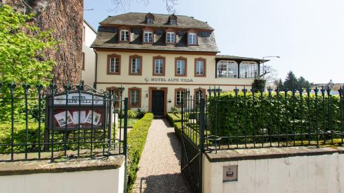 Booking - Alte Villa