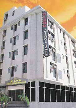 Hotel Clark International (New Delhi)