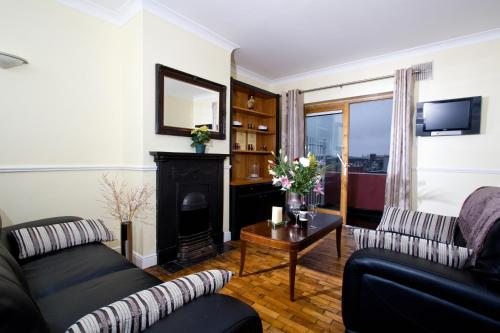 Booking - Apartments Oliver St. John Gogarty's Penthouse