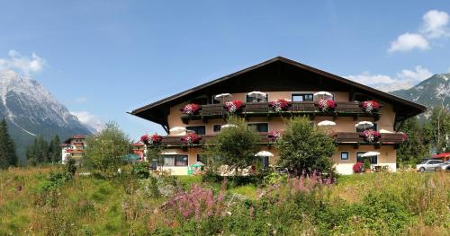 Booking - Appartementhaus Ostbacher Stern