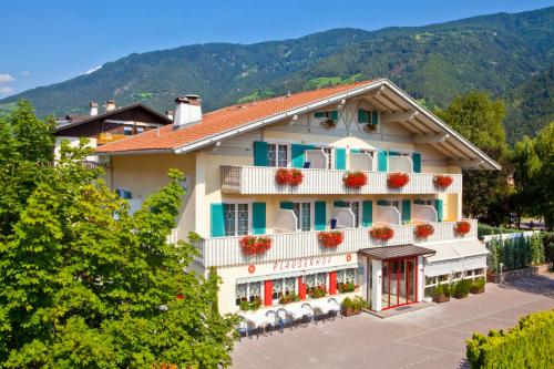 Booking - Parkhotel Plauserhof