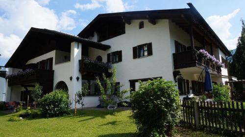 Booking - Gästehaus Brigitte