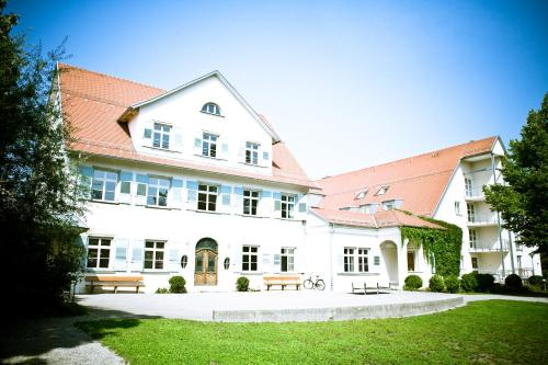 Booking - Jugendherberge Lindau