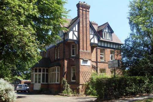 Booking - Awentsbury Hotel