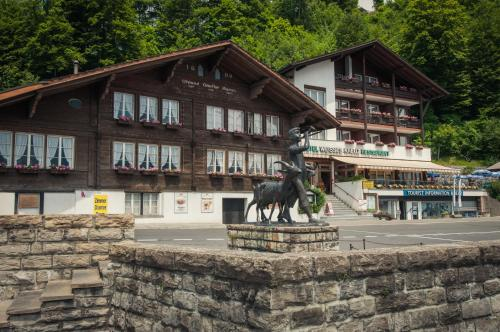 Booking - Hotel Weisses Kreuz