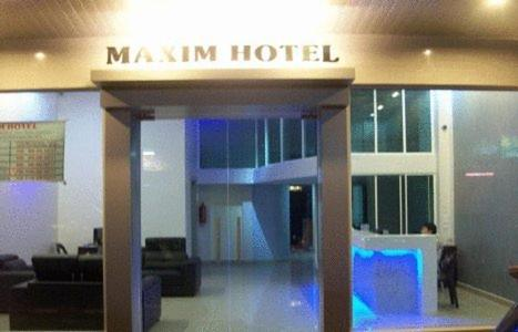 Booking - Hotel Maxim