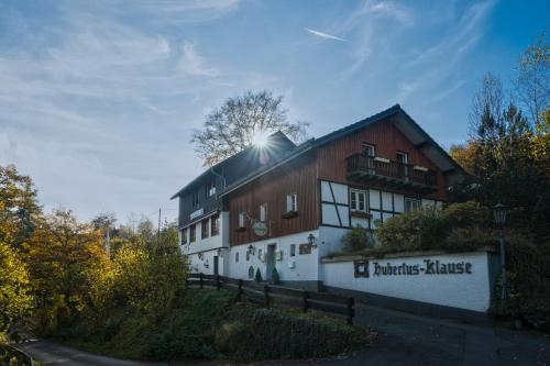 Booking - Hotel Hubertusklause