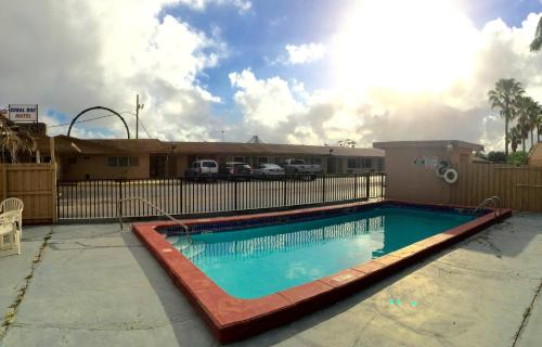 Booking - Coral Roc Motel
