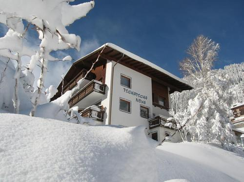 Booking - Apartments Tschatscha Nova