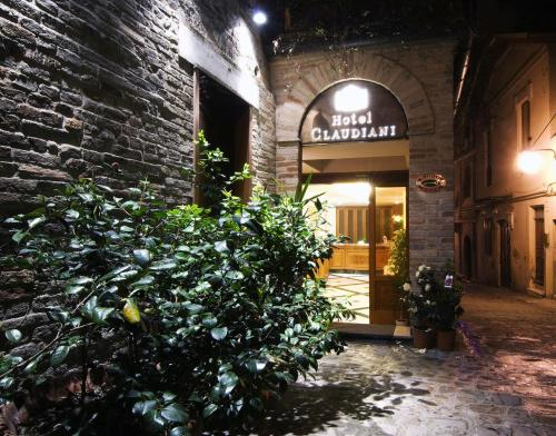Booking - Hotel Claudiani