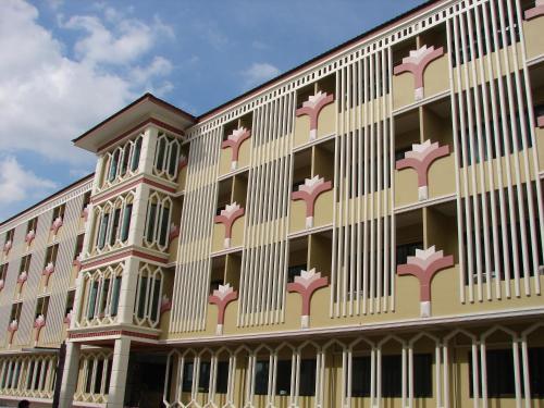 Booking - Hotel Poonsook