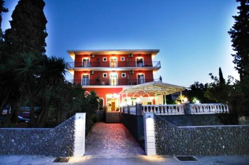 Booking - Hotel Pyrros
