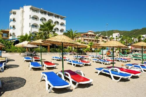 Booking - Kontes Beach Hotel