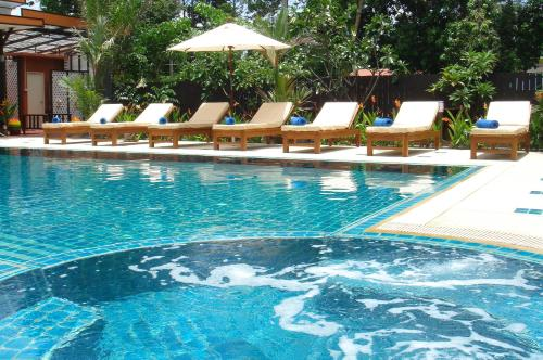 Booking - Baan Rom Mai Resort