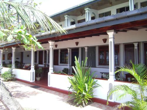 Booking - Hotel Whitepearl Beach