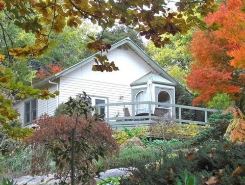Booking - Guesthouse Woolrich Historic Garden