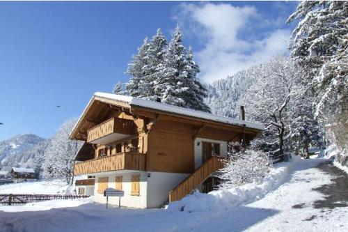Booking - Chalet uf em Aris