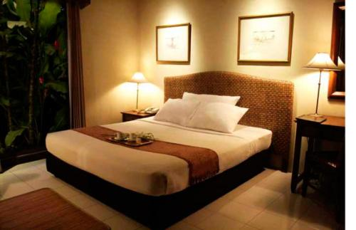 Booking - Hotel The Graha Cakra Malang