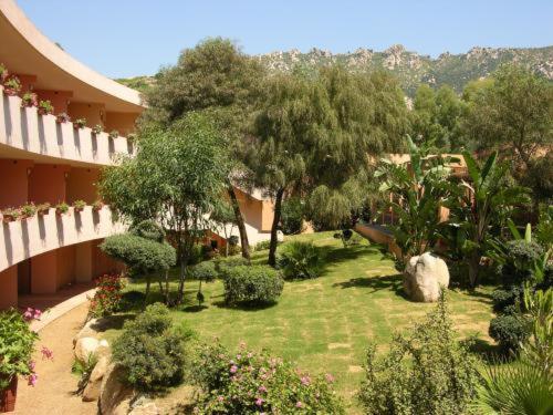 I Giardini Di Capo Bovo Beach Resort (Villasimius )