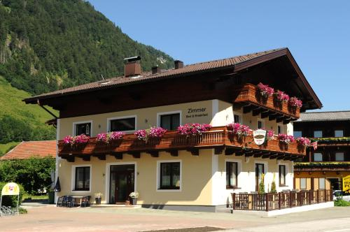 Booking - Pension Dorfplatzl